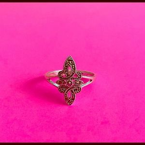 Dainty 925 Marquesite  Scroll Ring Size 8
